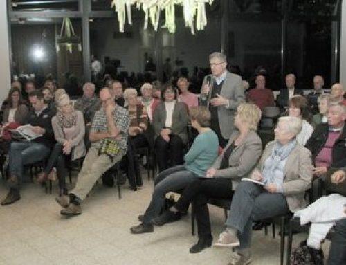 Charlotte Kroll: Radio Iserlohn unterwegs beim Bürgergespräch Heide-Hombruch Iserlohn  im Martin-Luther-King Haus im November 2017 * Hier nachhören!